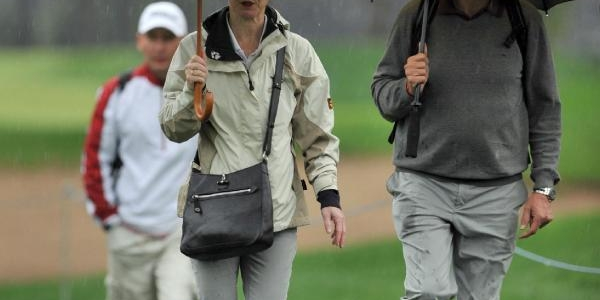 Golf Turnuvasina Yağmur Rötari