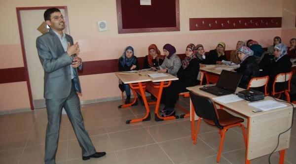 Gönüllü Suriyeli Öğretmenlere Seminer