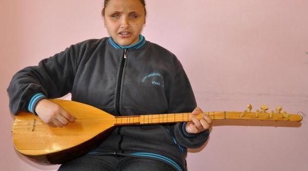 Görme Engelli Edanur'un Müzik Aşki