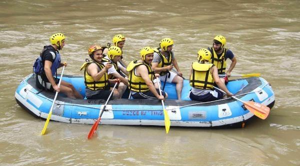 Görme Engelli Gazeteci Yazarın Rafting Heyecanı