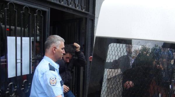 Gözaltında Şiddet Gördüğünü İleri Süren Astsubay 2 Polisten Şikayetçi Oldu