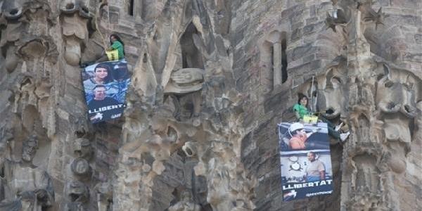 Greenpeace Üyelerinden Tehlikeli Gösteri