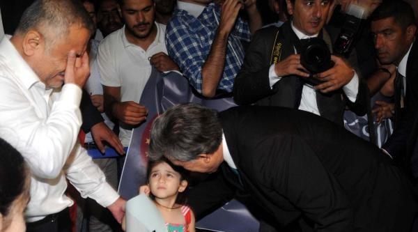 Gül, İstanbul'da Devletin Onuru, Milletin Gururu Sloganıyla Karşılandı