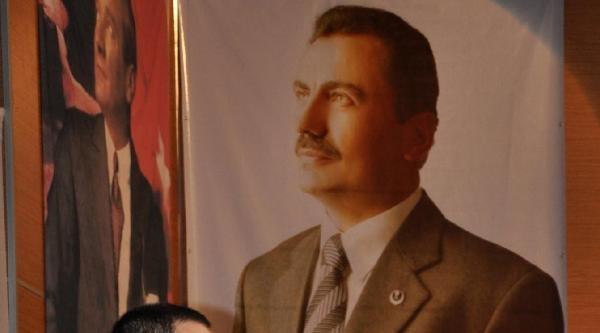 Gülefer Yazıcıoğlu: Kardeşim Demekle Kardeş Olunmuyor