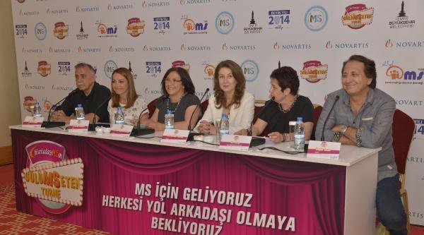 Gülümseten Turne İzmir'de