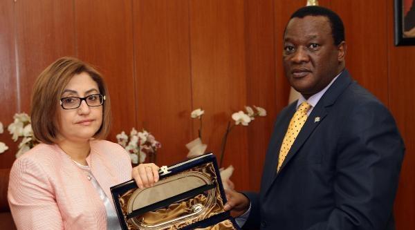 Güney Afrika Büyükelçisi, Başkan Şahin'i Ziyaret Etti