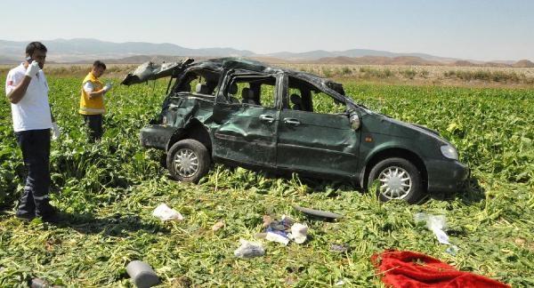 Gurbetçi Ailenin Bulunduğu Otomobil Takla Attı: 3 Ölü, 7 Yaralı