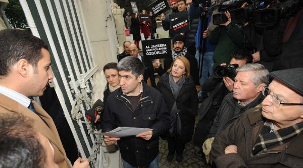 Haberciler Mısır Başkonsolosluğu Önünde Eylem Yaptı