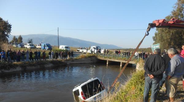 Hafif Ticari Araçla Çarpişan Otomobil Sulama Kanalına Uçtu: 6 Yaralı