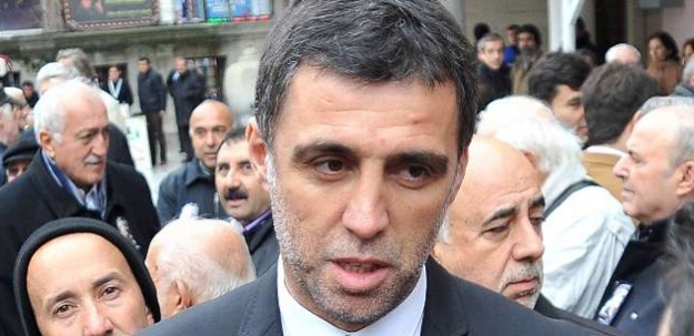 Hakan Şükür'e cenazede büyük şok!
