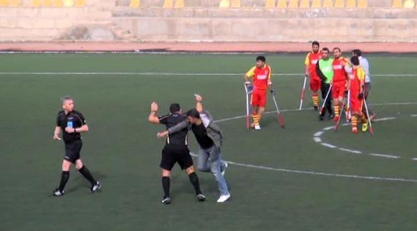 Hakeme Saldıran Engelli Futbolculara Polis Biber Gazıyla Müdahale Etti