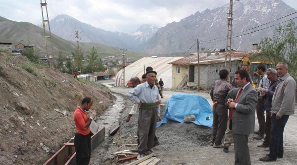 Hakkari Belediyesi Altyapı Çalişmalarina Ağırlık Verdi