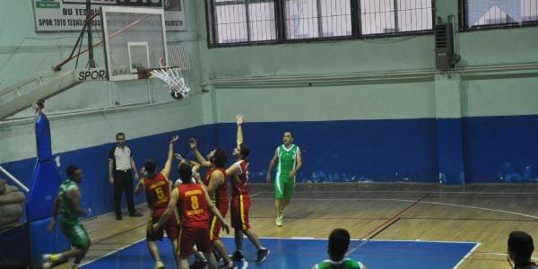 Hakkari Gençler Gücü Basketbol -  Diyarbakir Büyükşehir Belediyespor: 70-65