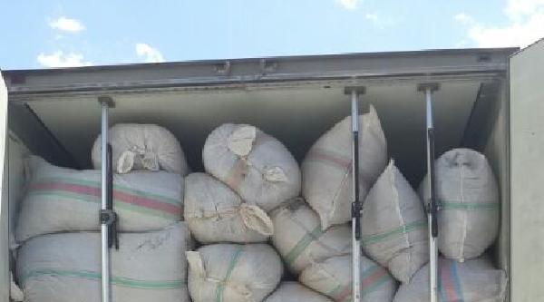 Hakkari'de 18 Ton Kaçak Çay Ele Geçirildi