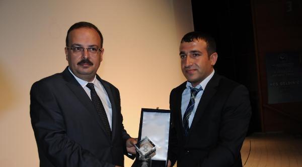 Hakkari'de Başarılı İşletmecilere Ödülleri Verildi