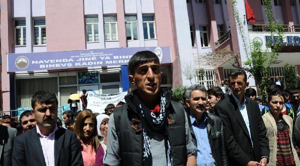 Hakkari'de Bdp'li Gençlerden 'karakol' Eylemi