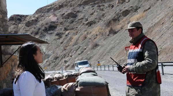 Hakkari'de Bdp'liler Askerden Oy İstedi