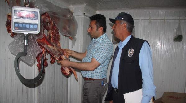 Hakkari'de Belediye Ekipleri Kasapları Denetledi