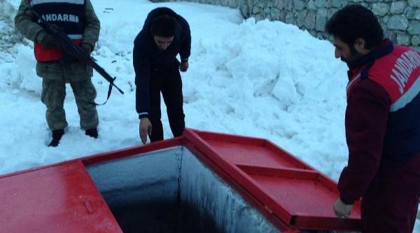 Hakkari'de Jandarma Bir Yilda 287 Bin 237 Litre Kaçak Akaryakit Ele Geçirdi