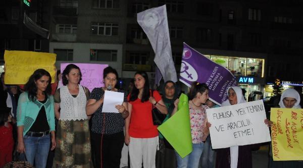 Hakkari'de Kadınlar İntihara Karşı Açıklama Yaptı