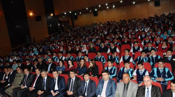 Hakkari'de' Madde Bağımlılığı' Tiyatrosu