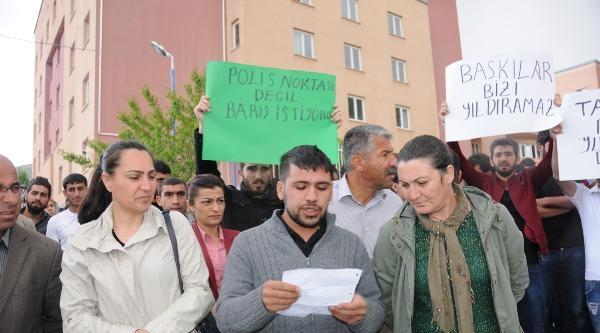 Hakkari'de Öğrenciler, Polisi Suçladı