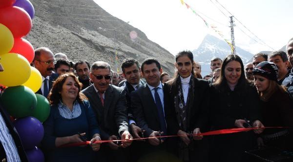 Hakkari'de Parka Süryani 'surma Hanım' Adı Verildi
