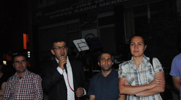 Hakkari'den 100 Kişi, Suriye'deki Kürtlere Destek İçin Şanliurfa'ya Gitti