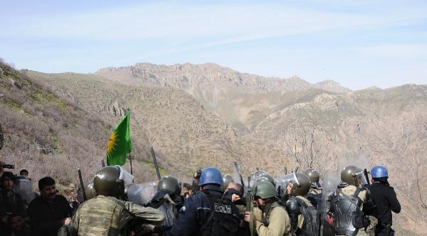 Hakkari'nin Mesken Dağı'nda Bdp'lilerden Operasyon Ve Karakol Protestosu- Fotoğraflar