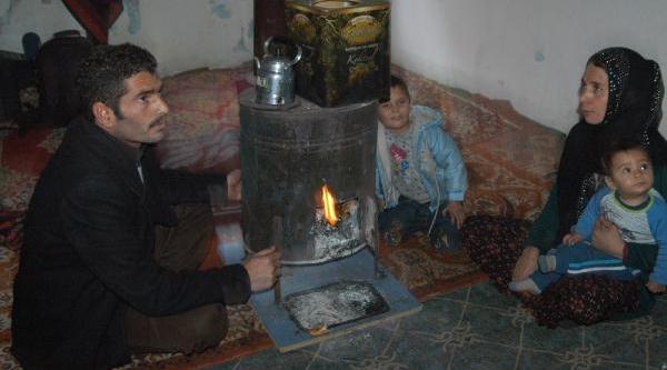 Hakkari'ye Siğinan Suriyeli Aile Yardim Bekliyor