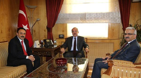 Halef-selef Milli Eğitim Müdürleri Valilik Makamında Görev Değişti