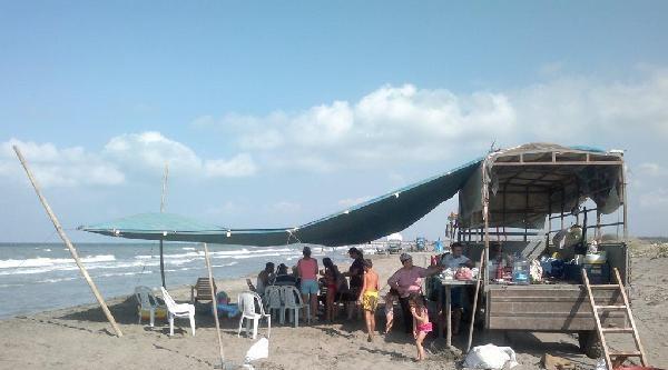 Halk Plajında Traktörlü Tatil