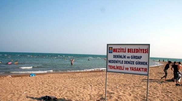 Halk Plajında Yasak Bölgede Bir Günde 5 Boğulma Tehlikesi