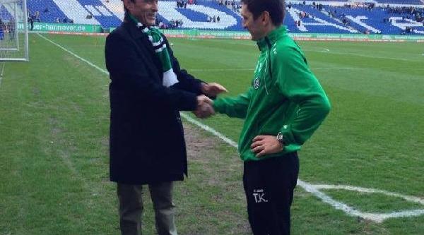 Hannover 96'nin Teknik Direktörü Korkut'a Başkonsolos Desteği
