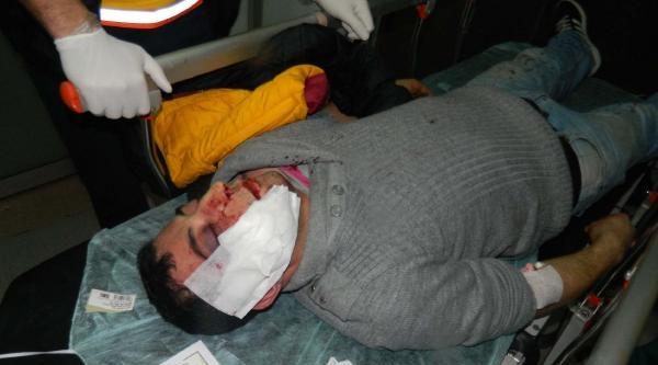 Hastane Bahçesine  Atılan Gaz Fişeklerinden Bir Vatandaş Başından Yaralandı