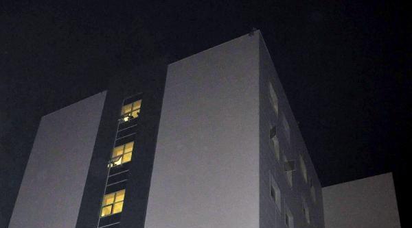 Hastane Çatisinda İntihar Girişimi