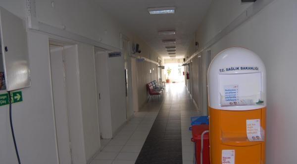 Hastane Duvarlarda Oluşan Çatlak Nedeniyle Boşaltıldı