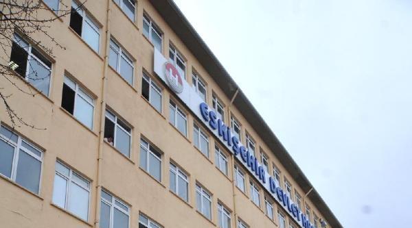 Hastane Penceresinden Atlayarak İntihar Etti