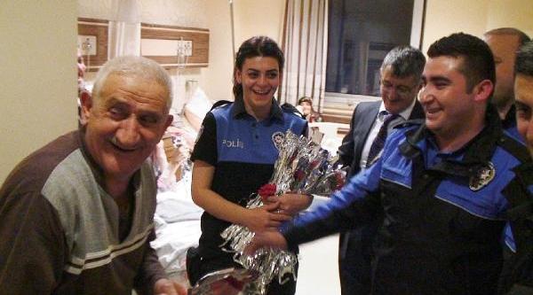 Hastaneyi Ziyaret Eden Polislere Türkü Söyledi
