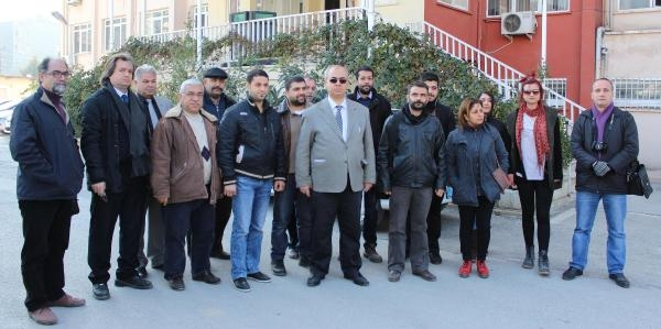 Hatay'da Gazetecilerden Kalem Birakma Eylemi