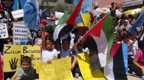 Hatay'da İsrail Bayrağı Yaktılar