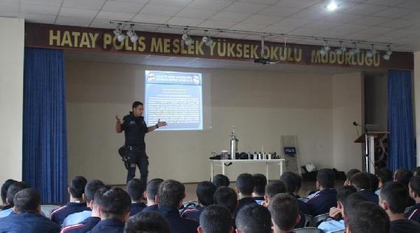 Hatay'da Polis Adaylarina Uygulamali Kimyasal Gaz Dersi