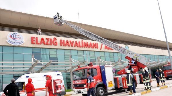 Havalimanında Yangın Tatbikatıgerçeği Aratmadı