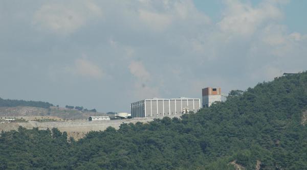 Havran'da Madende Yangın: 4 İşçi Hastaneye Kaldırıldı (2)