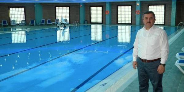 'havuzda Mayo Yasaği' Iddiasini Belediye Başkani Yalanladi
