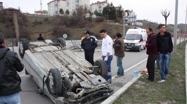 Havza'da Otomobil Takla Attı: 4 Yaralı