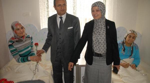 Hayirsever Işadamindan Hastaneye Anne Oteli
