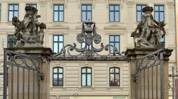 Hayrünnisa Gül, Danimarka Tasarım Müzesi Ve Royal Copenhagen Porselen Mağazası'nı Gezdi