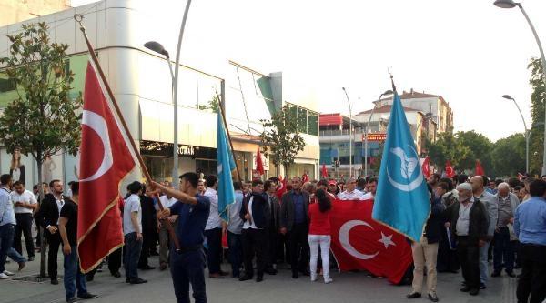 Hdp Sakarya İl Binasına Türk Bayragı Astılar