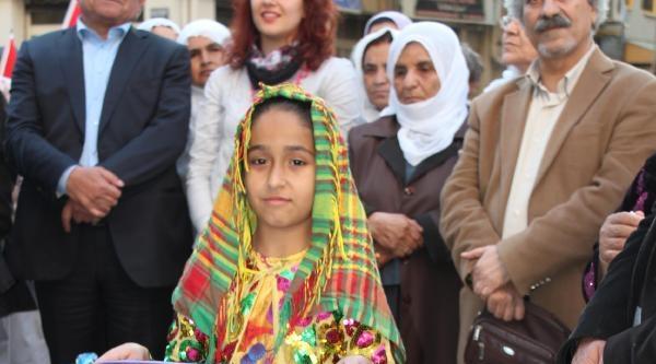 Hdp'den İzmir'de Seçim Bürosu Açılışı